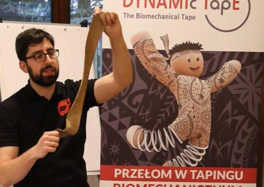 Szkolenie Dynamic Tape w Krakowie. Fizjoterapeuta Dominik Bryń.